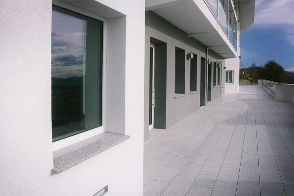 © Franzesko Stein mit System - Fensterbank mit San Sys 3000 - endlichbauen.at